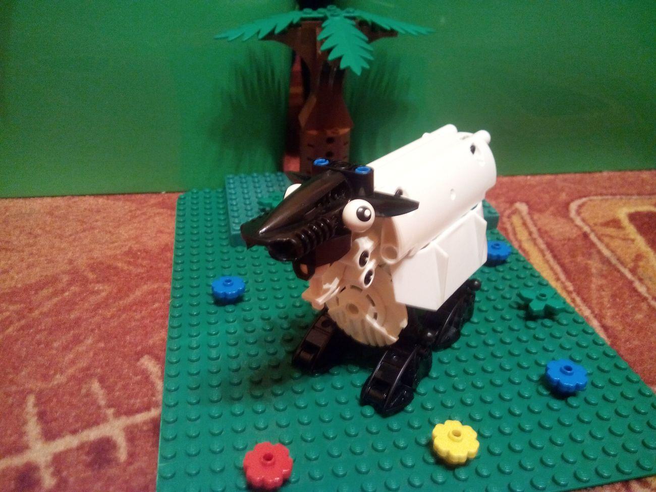 Concurs Paste Fericit: Creatia 5 – Do Master Builders Dream of Technic Sheep?