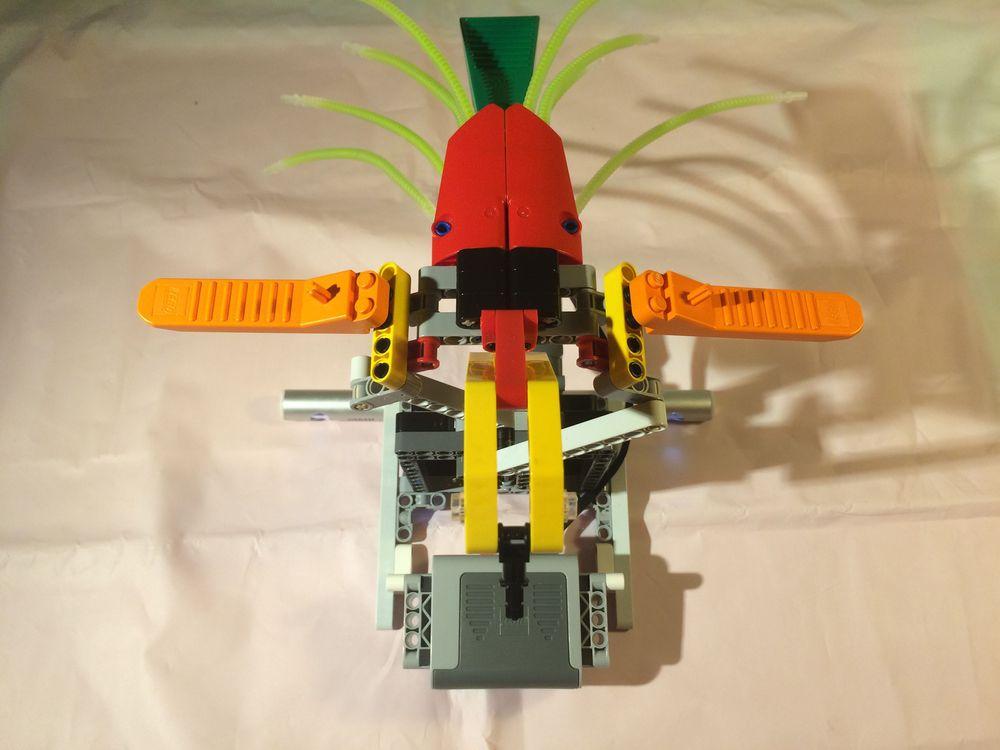 Concurs Imbinarea separatorului de caramizi – creatia 12: Papagalul mecanic