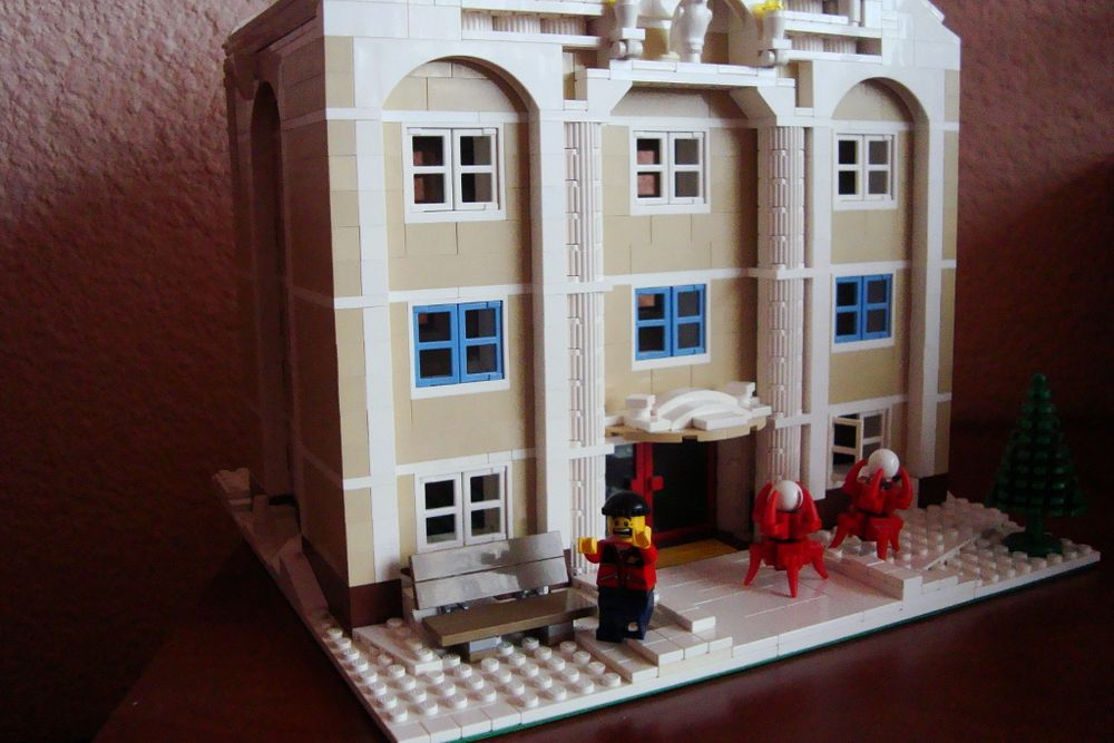 LEGO® MOC by Mad_Horax: Winter Escape from Local Museum