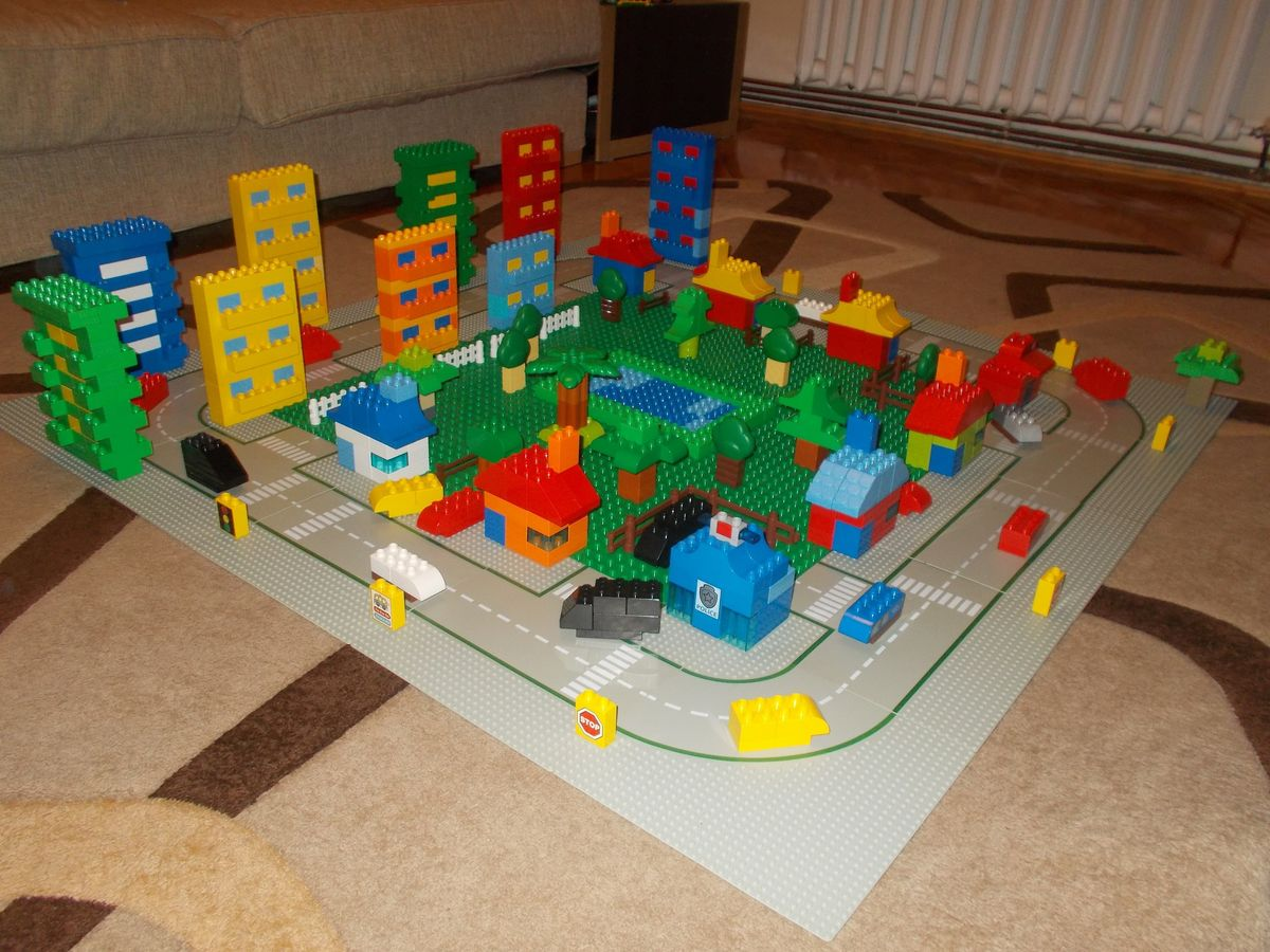 Concurs Microscale City: Creatia 5 – Micro DuploHood