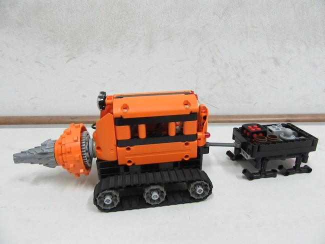 Snow Rescue Team: Snow Driller and Carrier Vehicle