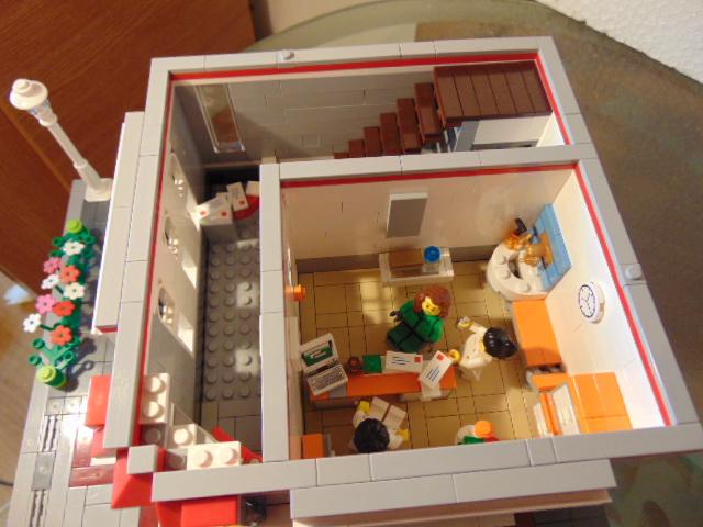 LEGO® MOC by Chyck: Policlinica – cabinetul medical