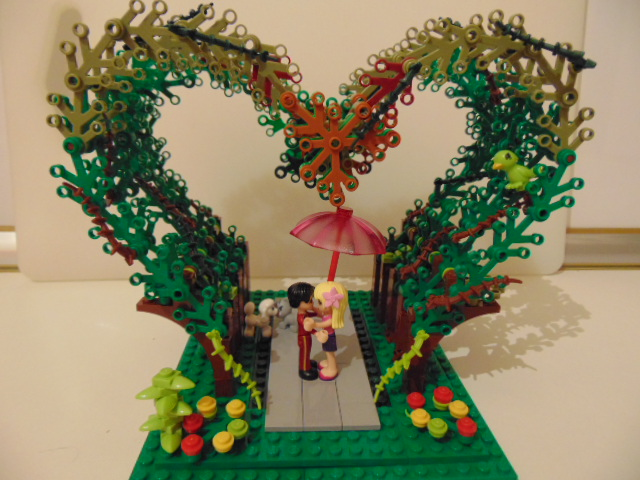 LEGO® MOC by Chyck: LOVE: Primul sarut