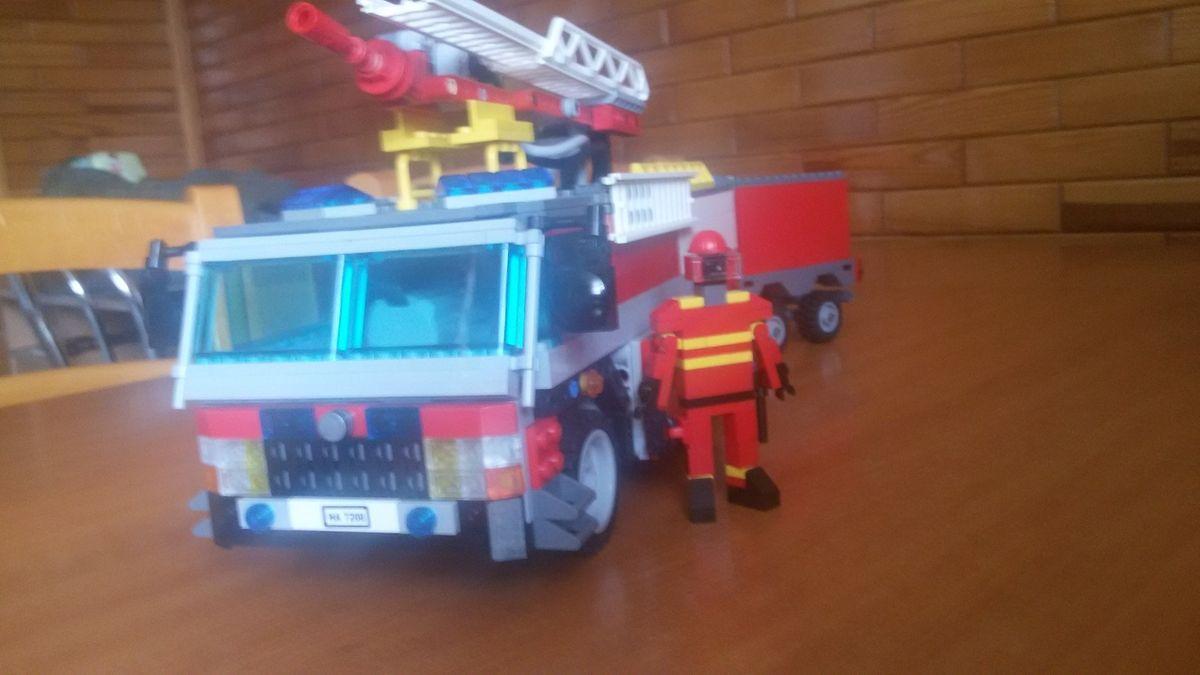 Concurs Childhood Hero – Creatia 3: Eroii mei