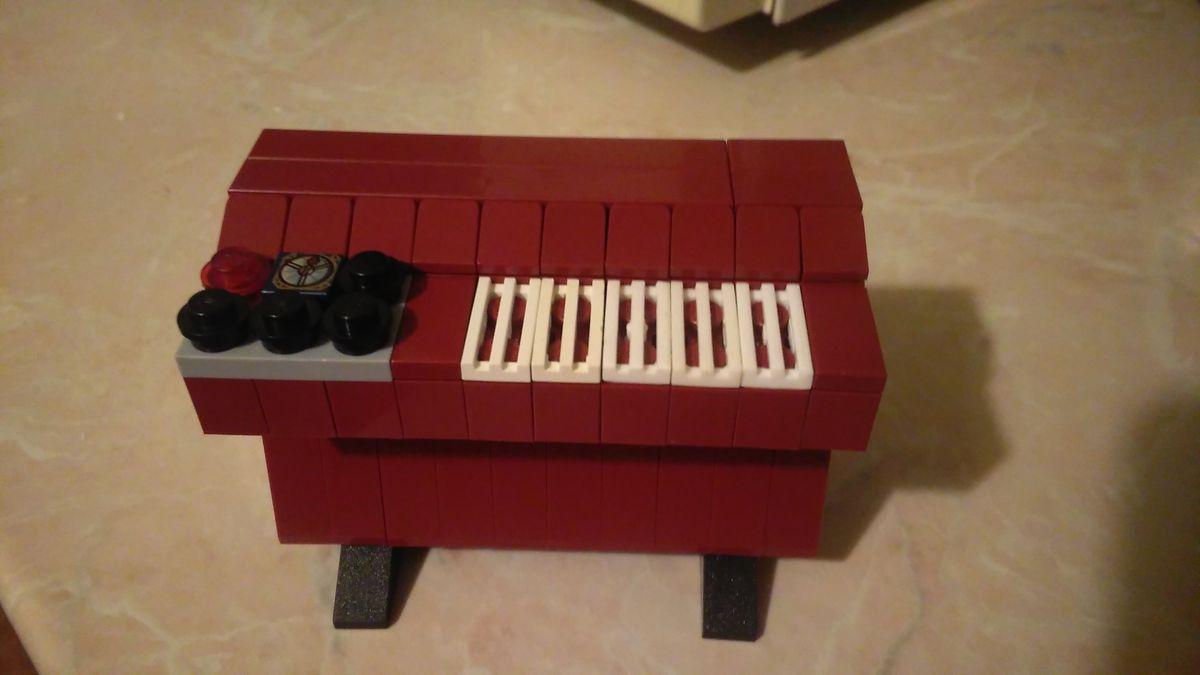 Concurs Licitatia de muzica – Creatia 21: Mellotron