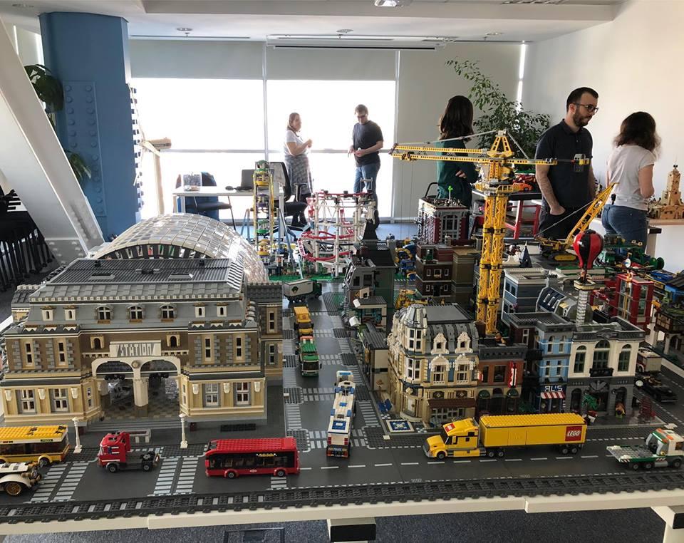 Expozitie RoLUG: Bricking @Cegeka